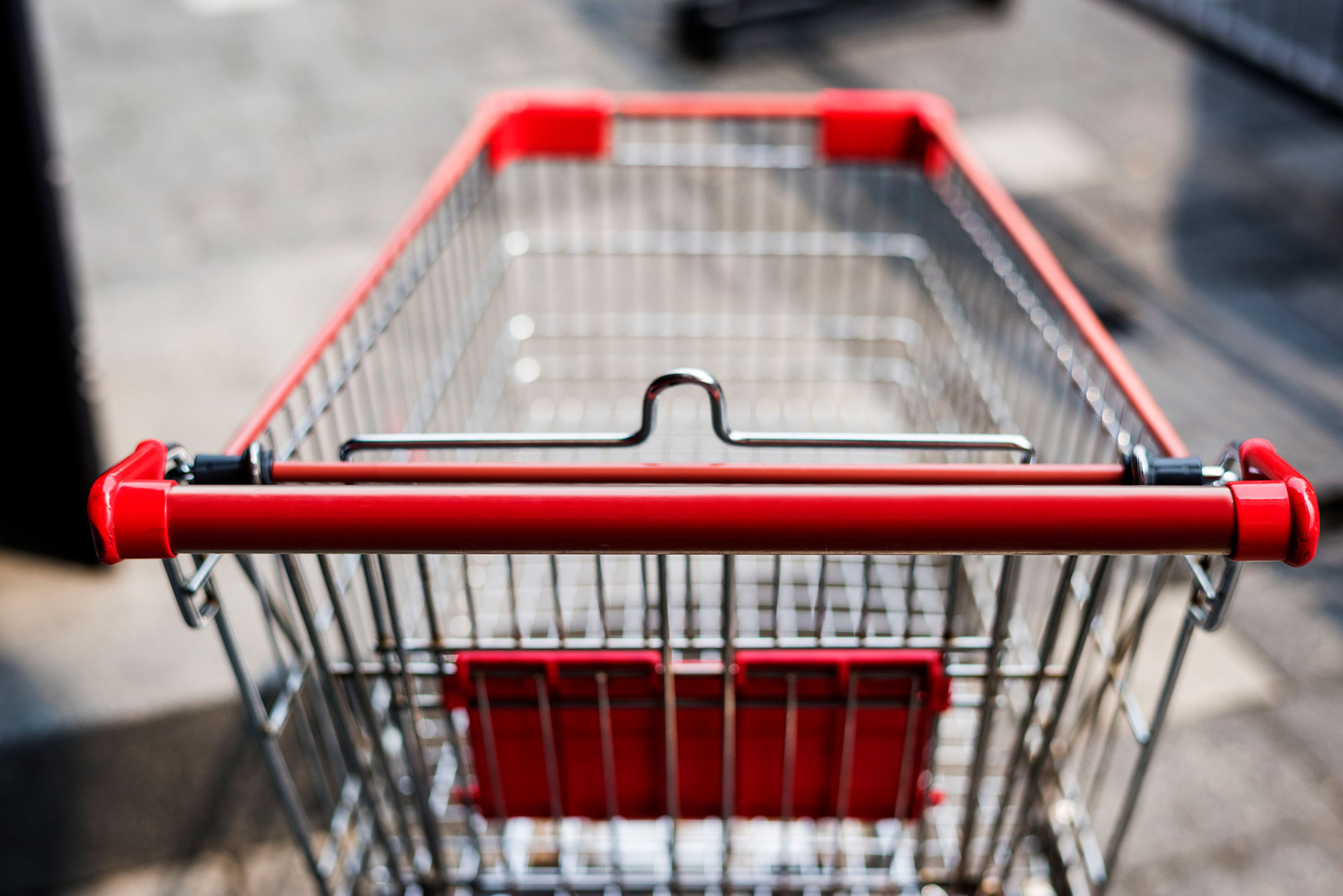 empty shopping cart from shopper's perspective